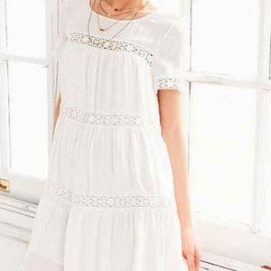 Alice + UO XS Eleonora Crochet Peasant Swing Dress